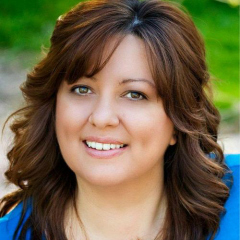 Tricia Goyer, author and busy mom in the trenches talks to us about knwoing God's heart